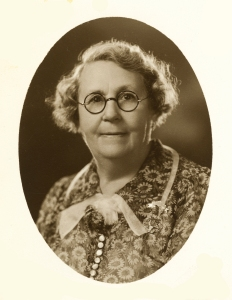Annie L. Calvit, aged 66. Wrote autobiography: Eighty-eight Years of Change. Mother of Mary Harrison. Great- grandmother of Robin, Christine, and Gail Harrison